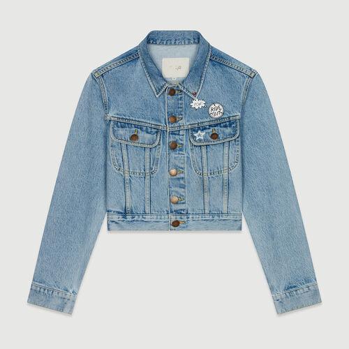 Giacca corta in jeans con applcazioni : Cappotti e Giubbotti colore Denim