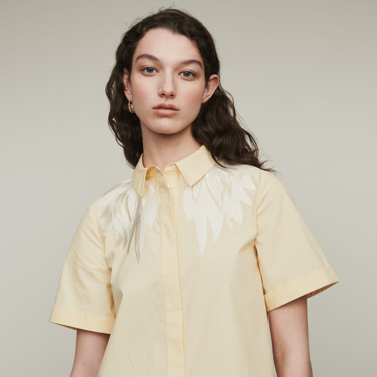Camicia a maniche corte con ricamo : Tops e Camicie colore Giallo