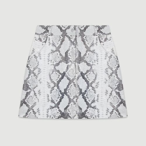 Gonna corta in pelle effetto pitone : Gonne e shorts colore Imprime