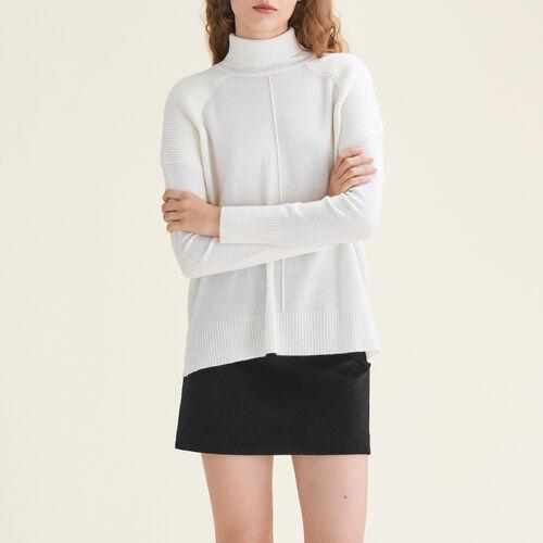Pullover a collo alto in cashmere : Pullover e cardigan colore Ecru