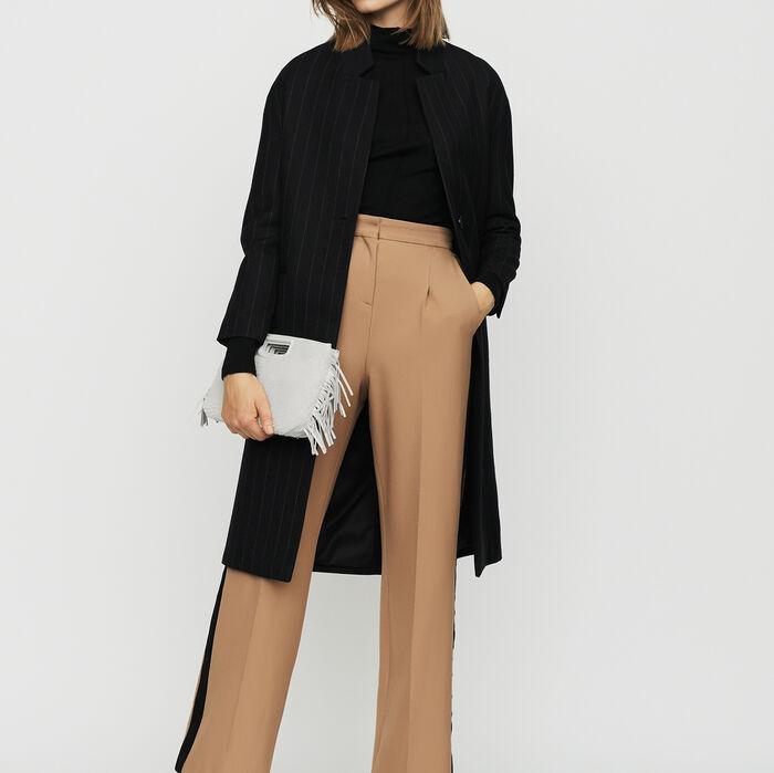 Cappotto senza collo con piccole righe : Cappotti colore A Righe