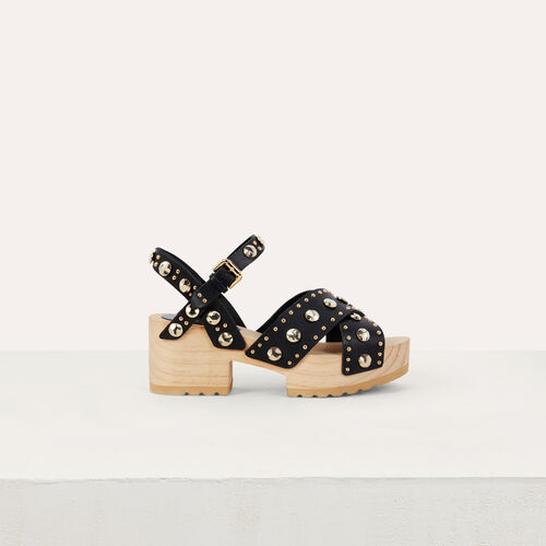 Wood heel sandals with studs : Scarpe piatte colore NERO