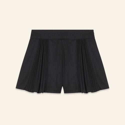Short corti con dettagli plissettati : Gonne e shorts colore Nero
