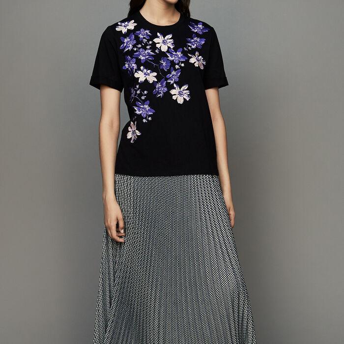 Tee-shirt in cotone con ricamo floreale : T-Shirts colore Nero