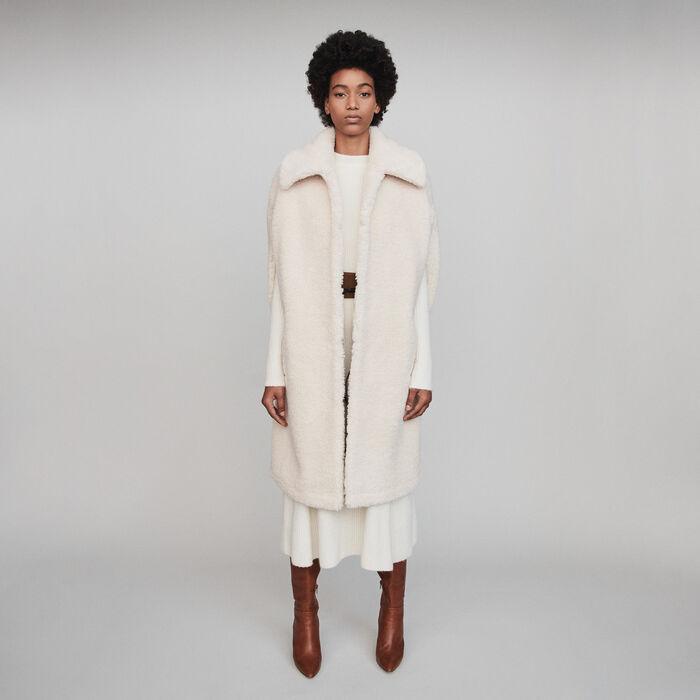 Cappotto in eco pelliccia stile cappa : Cappotti e Giubbotti colore Ecru