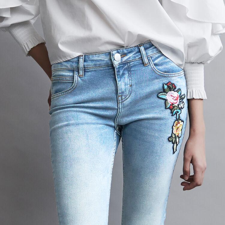 Jeans svasati con ricami : Jeans colore Denim