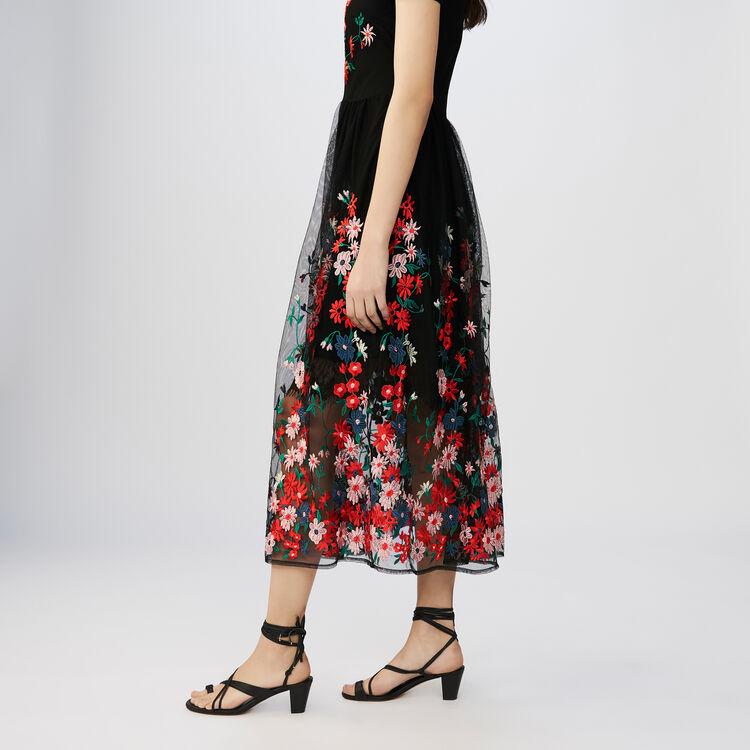 Robe longue en tulle brodé : Vestiti colore Nero