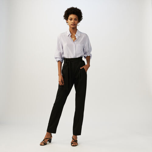 Pantaloni a carota con cintura : Office girl colore Nero
