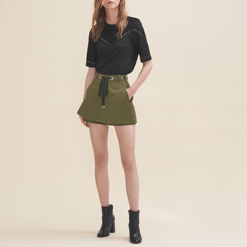 Short con occhielli e allacciatura : Gonne e shorts colore Kaki