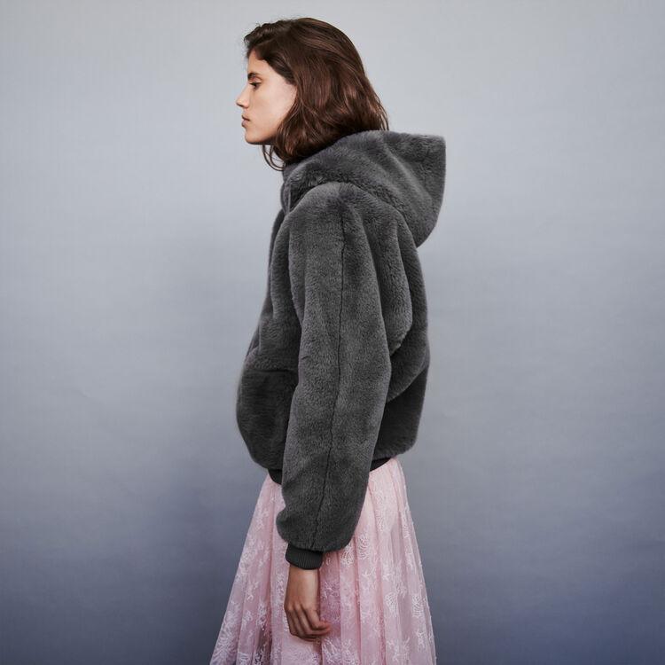 Giubbotto in eco pelliccia con cappuccio : Cappotti e Giubbotti colore Grigio