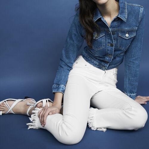Jeans dritti con orlo sfrangiato : Jeans colore Bianco