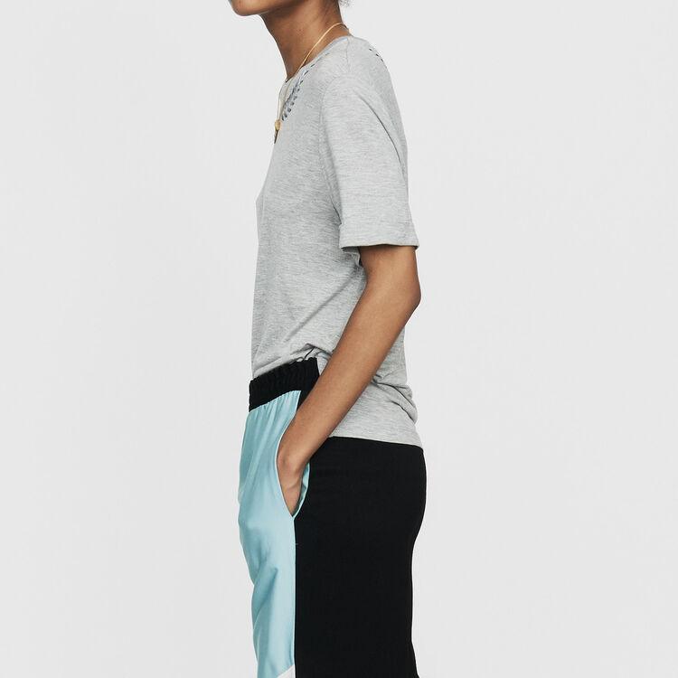 Tee-shirt con ricamo : T-Shirts colore Grigio